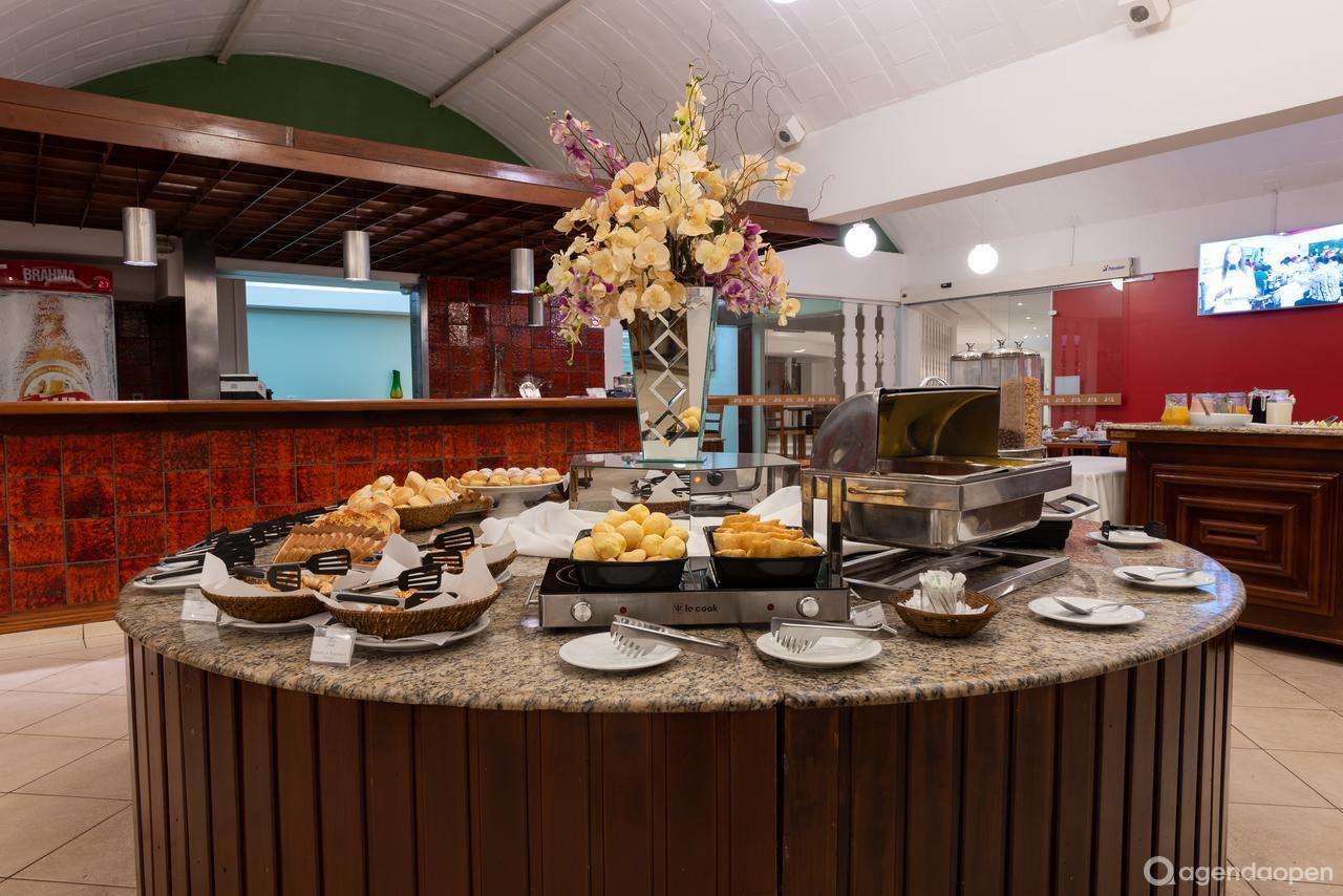 Carlton Plaza Hotel - Limeira localizado em Centreville , Limeira tem 5 salas e espaços para Reunião e Evento. Alugue sala para reunião, palestra, workshop, apresentação, e muito mais!