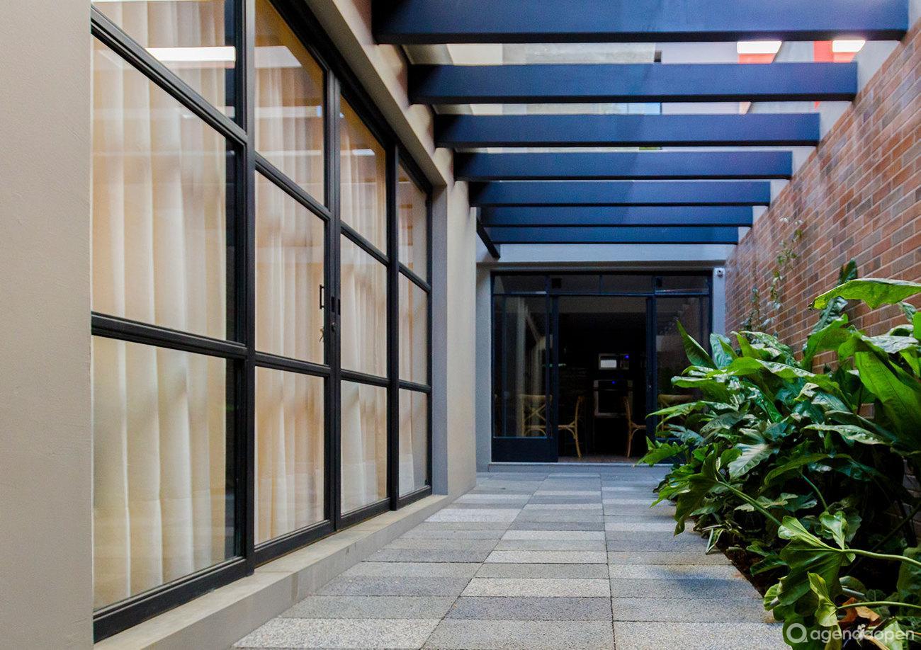 Conexa Spot localizado em Vila Nova Conceição, São Paulo tem 6 salas e espaços para Reunião e Evento. Alugue sala para reunião, palestra, workshop, apresentação, e muito mais!