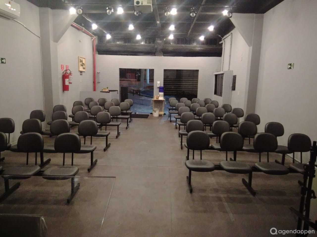 Espaço Bereana - Cupecê localizado em Americanópolis, São Paulo tem 1 sala e espaços para Reunião e Evento. Alugue sala para reunião, palestra, workshop, apresentação, e muito mais!