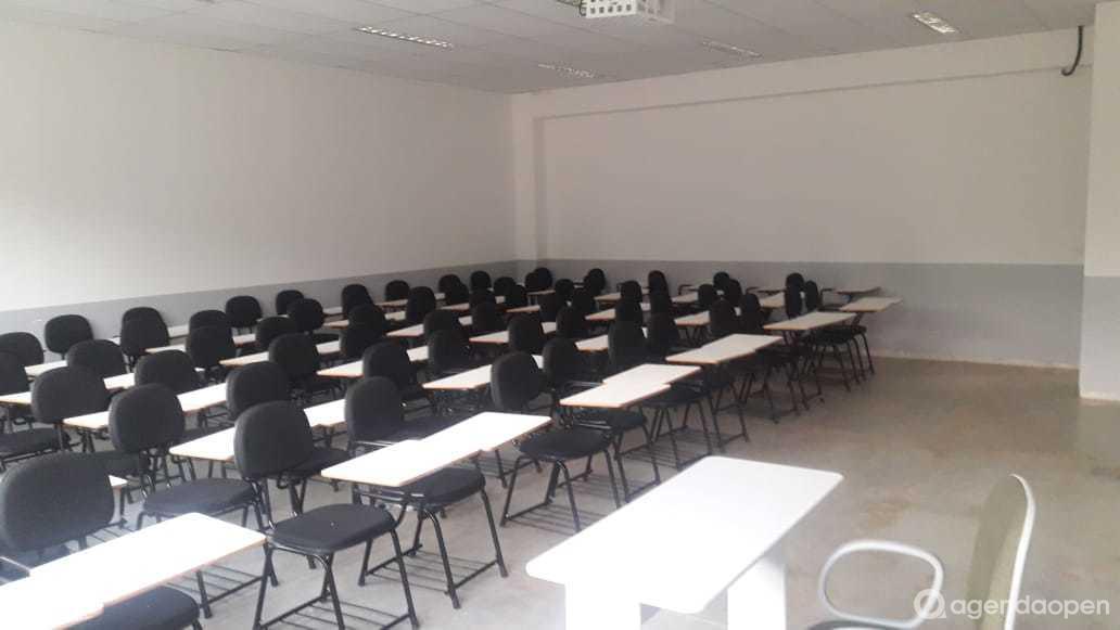 Sala de aula tamanho M