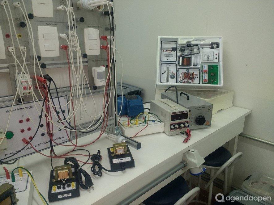 Laboratório de Sistemas Elétricos, Eletrônicos e Automação