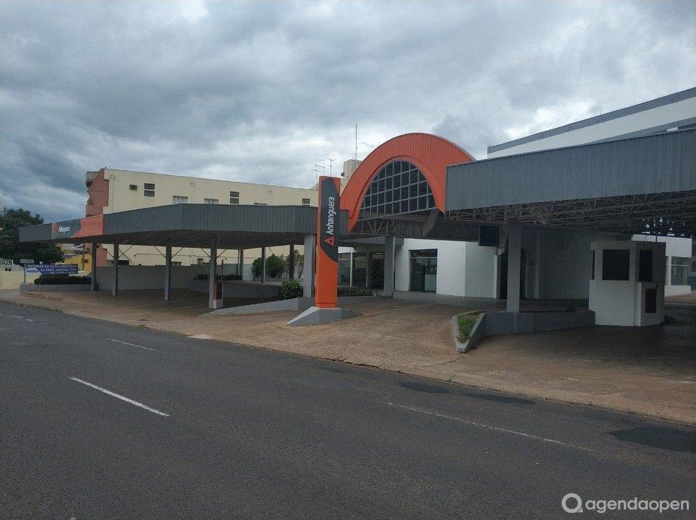 Anhanguera Araraquara localizado em CENTRO, Araraquara tem 5 salas e espaços para Reunião e Evento. Alugue sala para reunião, palestra, workshop, apresentação, e muito mais!