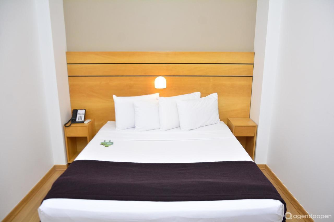 San Diego Suites Lourdes localizado em Lourdes , Belo Horizonte tem 4 salas e espaços para Reunião e Evento. Alugue sala para reunião, palestra, workshop, apresentação, e muito mais!