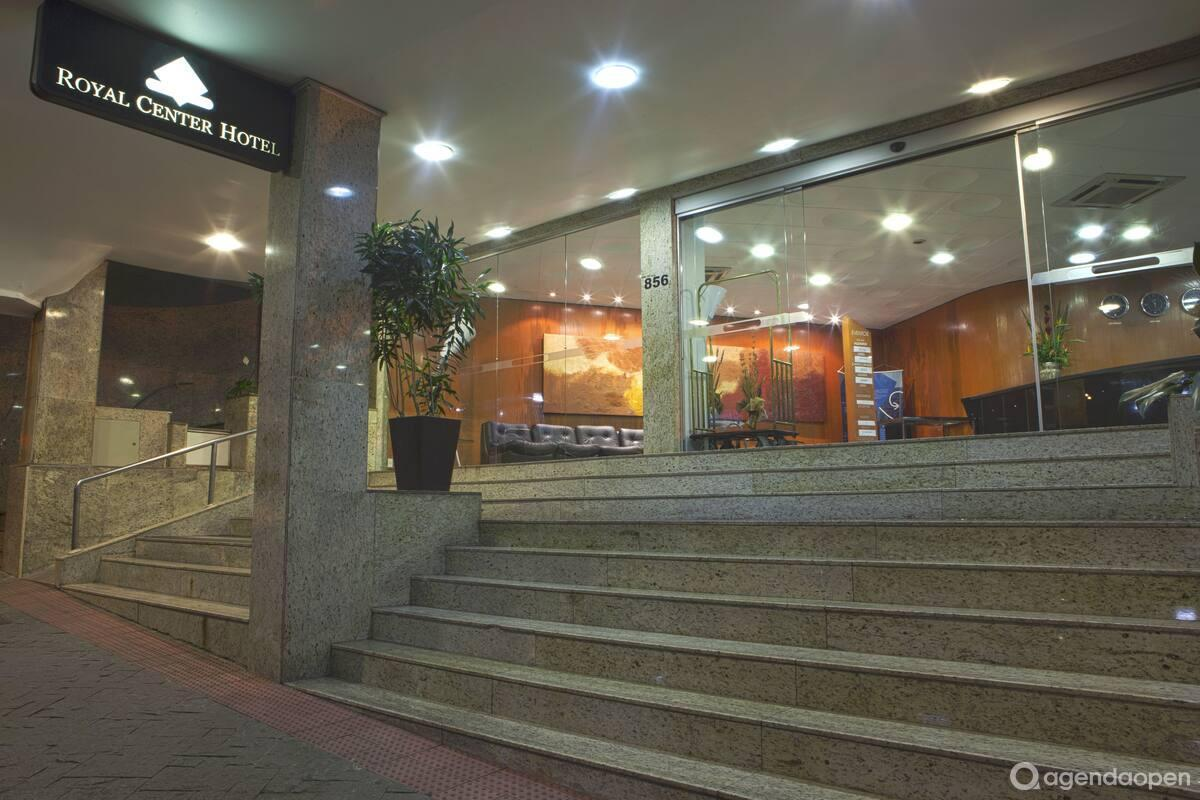 Royal Center Hotel localizado em Lourdes , Belo Horizonte tem 9 salas e espaços para Reunião e Evento. Alugue sala para reunião, palestra, workshop, apresentação, e muito mais!