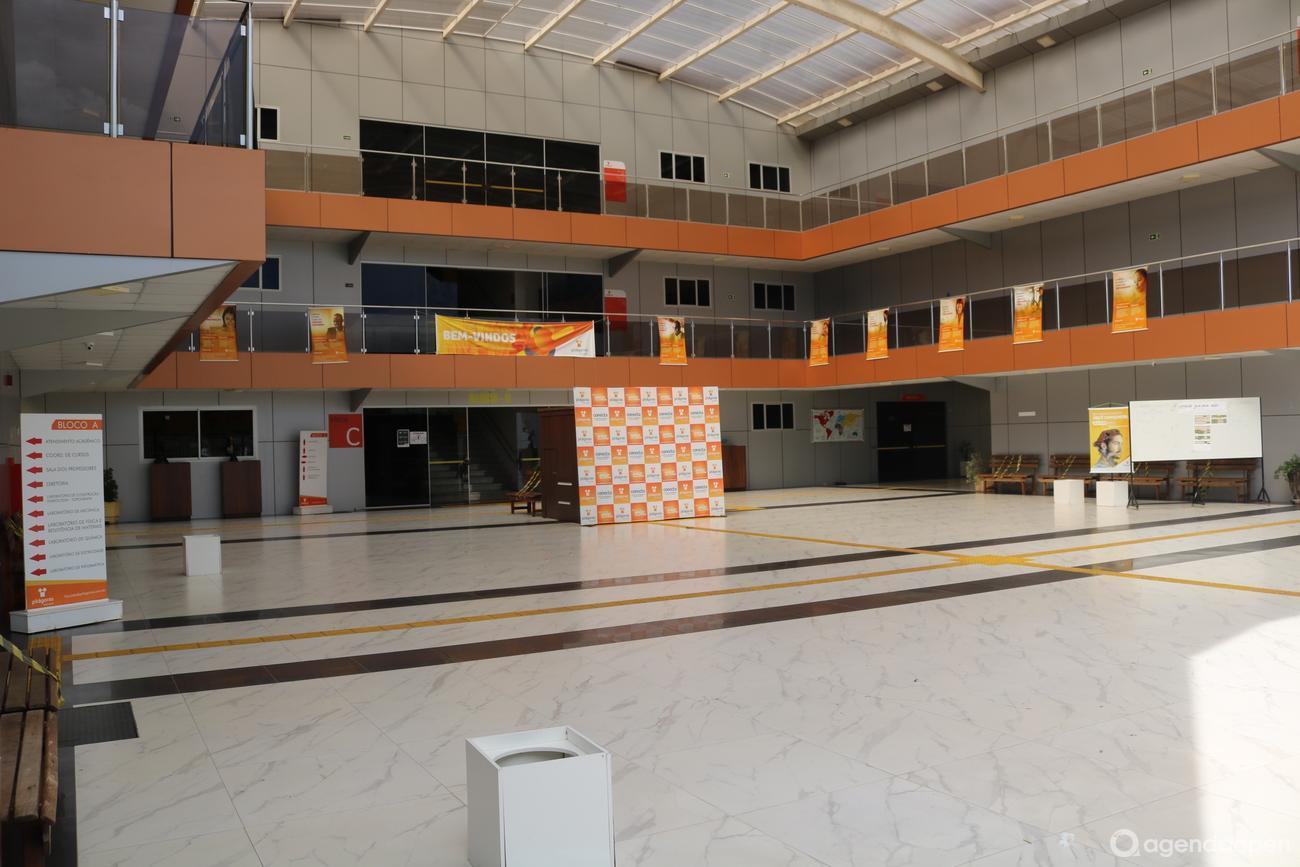 Faculdade Pitágoras de Marabá localizado em Nova Marabá, Marabá tem 6 salas e espaços para Reunião e Evento. Alugue sala para reunião, palestra, workshop, apresentação, e muito mais!