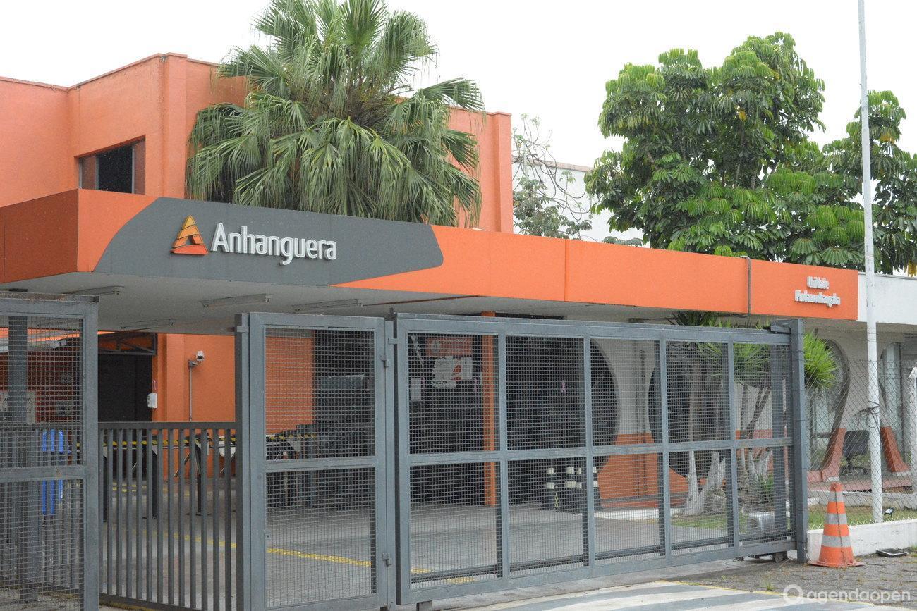 Faculdade Anhanguera de Pindamonhangaba localizado em VISTA VERDE, Pindamonhangaba tem 2 salas e espaços para Reunião e Evento. Alugue sala para reunião, palestra, workshop, apresentação, e muito mais!